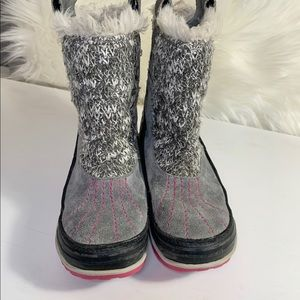 Sorel girls winter boot size 2 grey & pink pull on